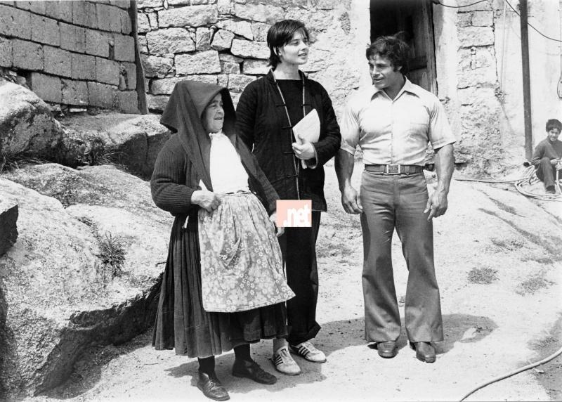 Ollolai. Franco Columbu con la madre e Isabella Rossellini.