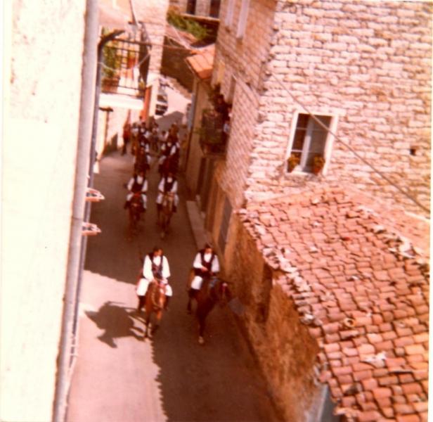 Ollolai. Processione san Bartolomeo anni '70. Privata