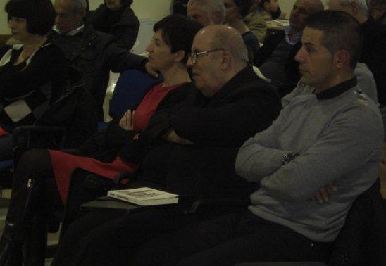 Don Bussu nel 2013 durante la presentazione del libro di Luciano Piras