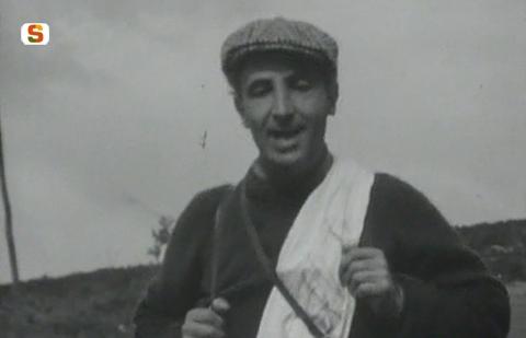 Michele Columbu durante la marcia