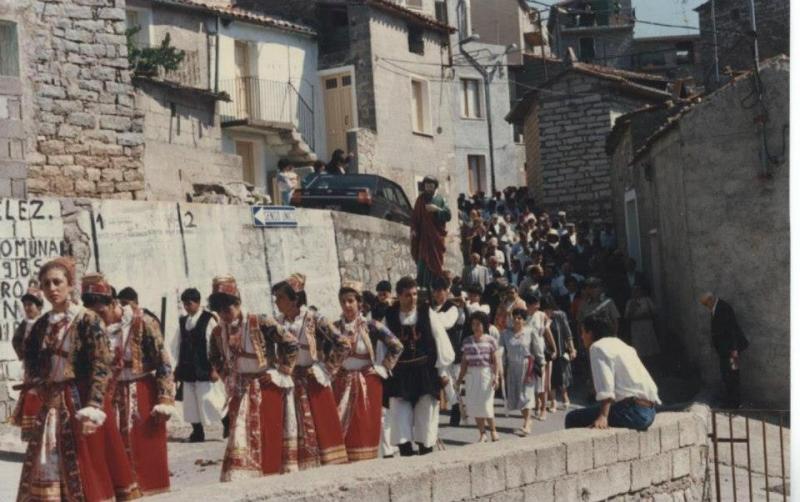 Foto anni '80 (pagina facebook Costume di Ollolai)