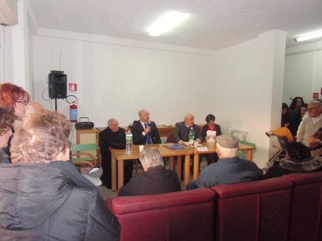 Il sindaco Antonio Gaia e monsignor Salvatore Floris durante l'inaugurazione