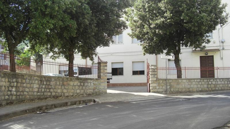 Il caseggiato scolastico di Ollolai