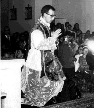Don Puggioni a Orune nel 1964