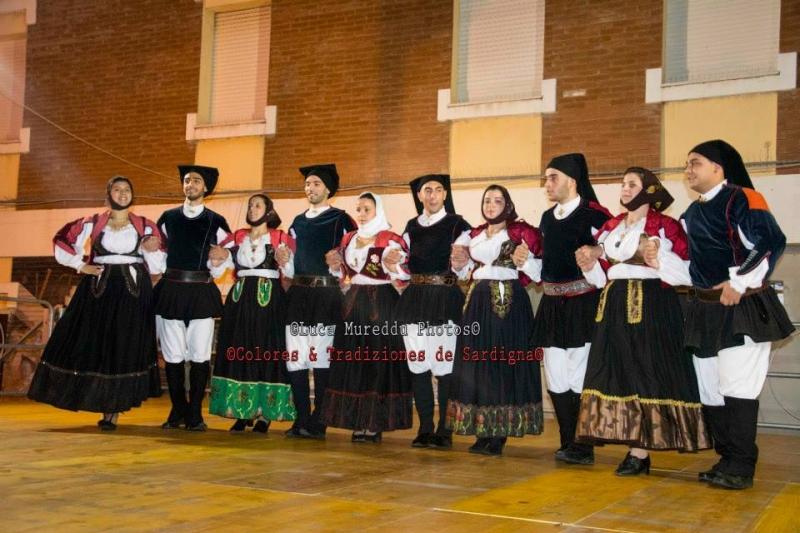 Il gruppo folk di Orotelli (F. Luca Mureddu)