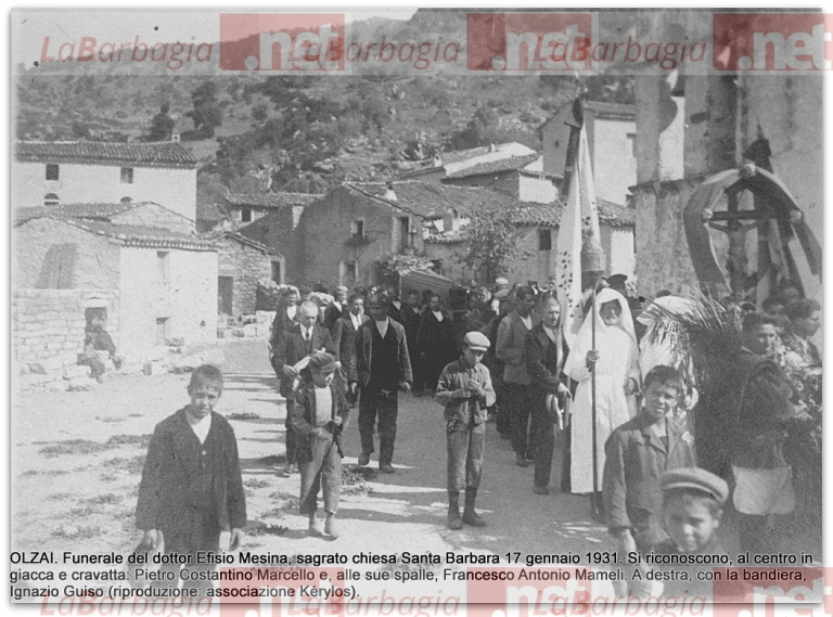 OLZAI. Funerale del dottor Efisio Mesina, sagrato chiesa Santa Barbara, 17 gennaio 1931 (archivio as. Kérylos)