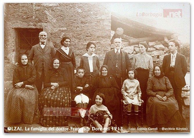 Olzai. La famiglia del dottor Francesco Dore nel 1913. Foto Sisinnio Curreli @archivio Kèrylos