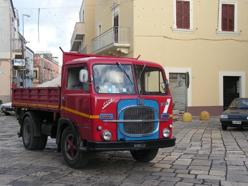 I camion in sardegna sono i pi vecchi di tutta italia - Portata massima camion italia ...