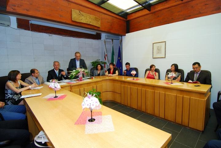 Il consiglio comunale di Ollolai nella prima seduta (Foto Murgia)