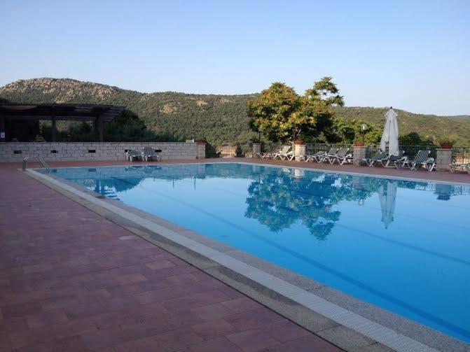 La piscina dell'Hotel Gusana