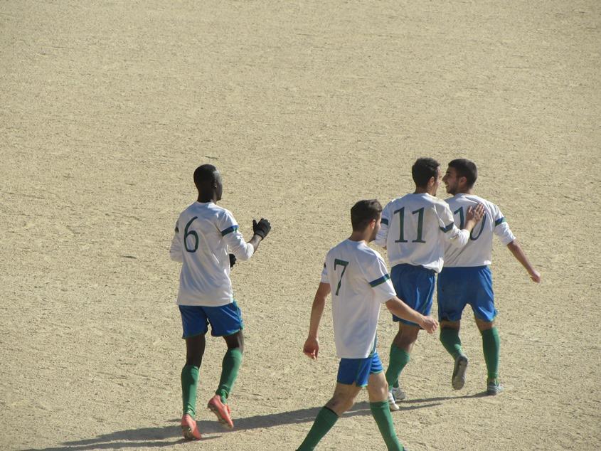 Esultanza dell'Orani dopo il gol della vittoria