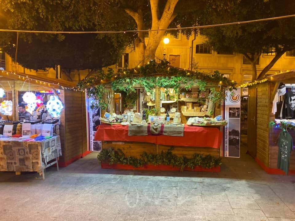 L'allestimento della Bottega del Pastoralismo a Cagliari, piazza Yenne