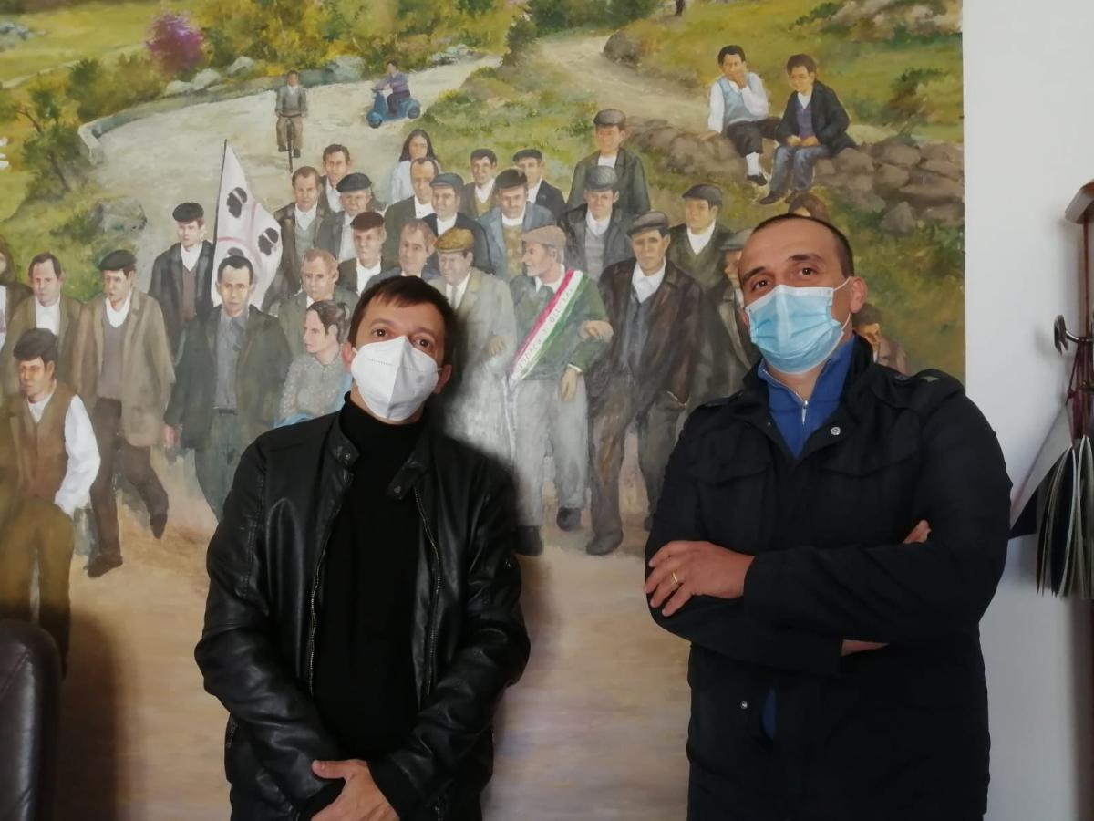 Il sindaco uscente Efisio Arbau con il candidato Francesco Columbu